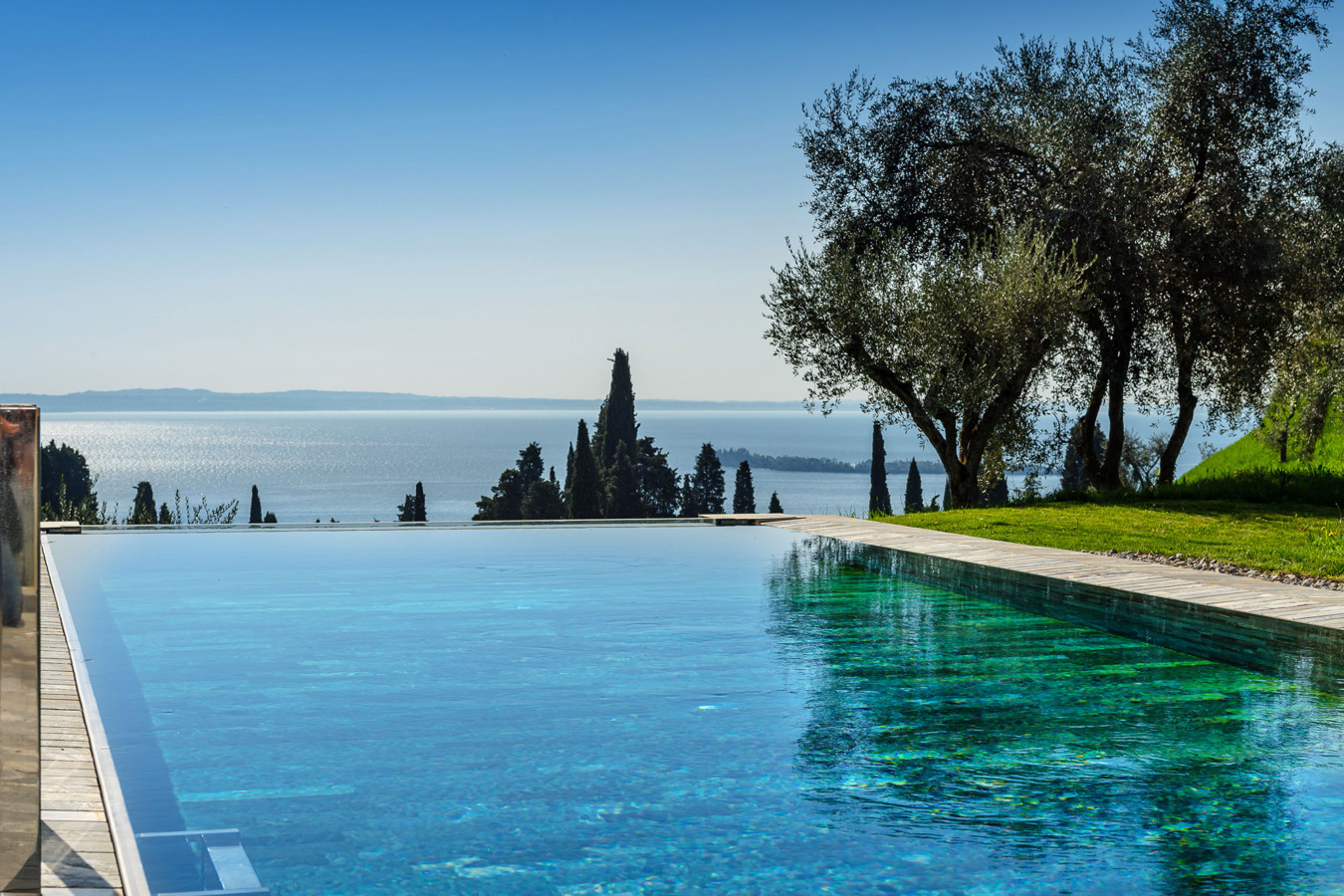 Italy S Most Luxurious Modernist Villas Are Yours To Rent